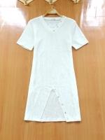 ขายส่ง:เดรสผ้าร่องคอวีแต่งหมุดทองเก๋ๆผ่าแหวกหน้า/อก32-34