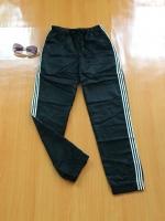 ขายส่ง:กางเกงสปอร์ตผ้าร่มแต่งแถบข้างปลายขาจั๊ม/เอวยืดได้24-30