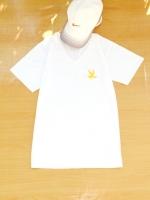 ขายส่ง:พร้อมส่งเสื้อยืดเก๋คอวีแต่งปักนก/อก34/ขาว