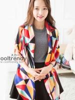 ผ้าพันคอลายสามเหลี่ยม Triangle โทนสีแดง - ผ้า Cotton Twil - size 130 x 130 cm