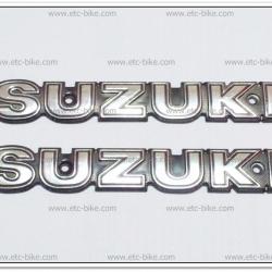 โลโก้ SUZUKI สีเงิน 16cm.x2.5cm. (2ชิ้น/ชุด)