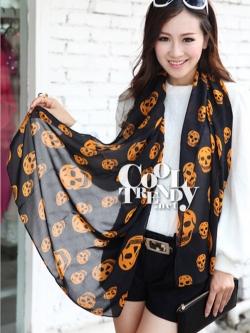 ผ้าพันคอลายหัวกะโหลก Skull pattern scarf : สีดำส้ม : ผ้าพันคอชีฟอง - size 170*70 cm