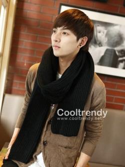 ผ้าพันคอผู้ชาย Man scarf ไหมพรมถักลายทาง สีดำ 180 x 25 cm
