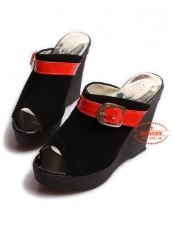 ขายขาดทุนเคลียสต็อกโปร2ตัว150บาท>พร้อมส่งรองเท้าแฟชั่นเกาหลี เก๋ๆมีส้น แต่งสายคาดสีแดง (size37)