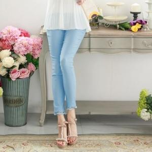 ♥♥สีฟ้าพร้อมส่งค่ะ♥♥ กางเกงเลกกิ้ง ขายาวสามส่วน สีฟ้าจับจีบลูกไม้ที่ปลายกางเกง