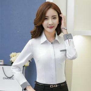 เสื้อเชิ้ตทำงานแขนยาว สีขาวคลิปเทา เป็นชุดยูนิฟอร์มได้