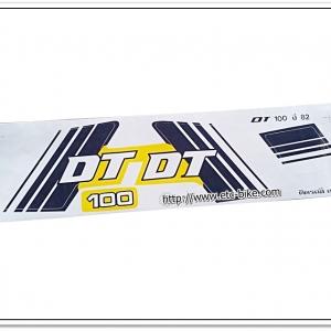 สติ๊กเกอร์ DT100 ปี 82 ติดรถสีเหลือง