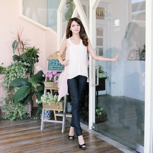 ♥♥พร้อมส่งค่ะ♥♥ กางเกงสกินนี่ขายาว ผ้าเนื้อดีสวมใส่สบาย ช่วงเอวตัดเป็นขอบยางยืดสีขาว มีกระเป๋าข้างนะคะ