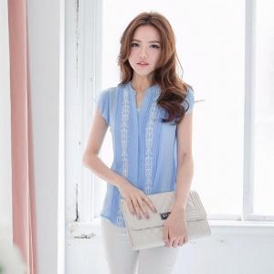 ❤❤ พร้อมส่งค่ะ ❤❤ เสื้อผ้าชีฟองสีน้ำเงิน แนวทำงานน่ารักๆ สีน้ำเงินสวยๆ มีแถบลูกไม้สีขาวคาดลงมา