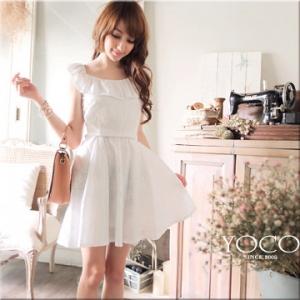 ♡♡pre-order♡♡ เดรสเจ้าหญิงสวยๆ สีขาวผ้าคอตตอนแต่งลายดอกไม้ทั่วตัว ระบายช่วงคอ ด้านหลังเป็นซิบสวมใส่สบาย น่ารักมากๆ ค่ะ