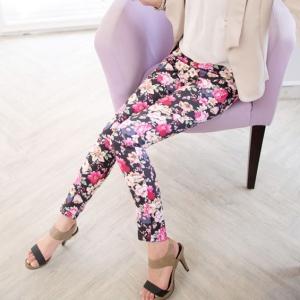 ❤❤ หมดค่ะ ❤❤ กางเกงสกินนี่ขายาวลายดอกสีดำ