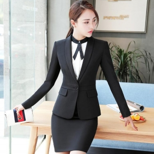 ชุดสูทยูนิฟอร์มพนักงานออฟฟิต เสื้อสูทมีปกสีดำ พร้อมกระโปรงสีดำ