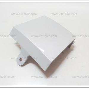 ฝาปิดท้ายเบาะ TZM สีขาว แท้ศูนย์ [4AP-F1651-00]