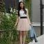 """""""พร้อมส่งค่ะ""""เสื้อผ้าแฟชั่นสไตล์เกาหลีราคาถูก Brand Cherry dress เดรสแขนกุดสีขาวผ้า cotton เนื้อดี เย็บติดกับแถบยืดสีดำ ตัวกระโปรงผ้ามุ้ง มีซับใน(มีตำหนิสีเหลืองๆ) thumbnail 1"""