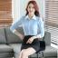 เสื้อเชิ้ตทำงานผู้หญิงแขนยาว สีฟ้า ปกสีขาว เป็นชุดยูนิฟอร์มได้ thumbnail 4