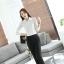 เสื้อเชิ้ตทำงานแขนยาวสีขาว ผสมลูกไม้ เป็นชุดยูนิฟอร์ม หรือชุดพนักงาน thumbnail 10