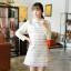 """size L""""พร้อมส่ง""""เสื้อผ้าแฟชั่นสไตล์เกาหลีราคาถูก เดรสแขนยาว ลายกราฟฟิกสีทอง คอปกและแขนสีครีม กระดุมหลังคอ1เม็ด ซิปหลัง มีซับใน thumbnail 1"""