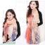 ผ้าพันคอลายดอกคาเนชั่น Carnation : สีส้ม ผ้า Viscose size 180x90 cm thumbnail 2