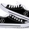 รองเท้าผ้าใบ ตราสัญลักษณ์ EXO