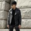 พร้อมส่ง เสื้อแจ็คเก็ตหนัง สีดำ หนังPU ซิปหน้าเท่ห์ แต่งเข็มขัดสไตล์เกาหลี เสื้อหนังผู้ชายแฟชั่น