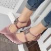 รองเท้าคัทชูส้นเข็มทำจากผ้าซาตินแต่อะไหล่ด้านหน้าหรูหรา