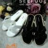 รองเท้าแตะแต่งเลื่อมวิ้งๆ HERMES logo classic sandals