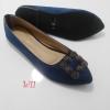 รองเท้าคัทชูส้นเตี้ยประดับอะไหล่ทรงเหลี่ยม style brand