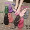 รองเท้าแตะแบบคีบ สายเพชร วัสดุโฟมนิ่ม สูง 2 นิ้ว น้ำหนักเบา แอบเก๋แอบแซ็บ