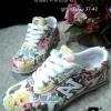 รองเท้าผ้าใบแบรนด์ดัง new balance สวยเท่ห์ลายดอกไม้แสนหวาน