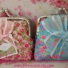 PB012กระเป๋าแป๊กผ้าดอกไม้ คละสี+โบว์+ป้าย
