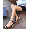รองเท้าส้นสูงรัดส้น ส้นแต่งกลิตเตอร์สวยมากค่ะ