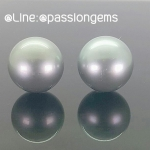 รหัส ALIPEA0616-25 ต่างหูมุกแท้ South Sea มาจากญี่ปุ่น สี Grey สีธรรมชาติ รูปทรงกลมขนาด 13 mm. ความเงาปานกลาง (Luster ) ตำหนิมองเห็น ราคา 9,900 บาท ติดต่อโทร.0948626521 Line : @passiongems (อย่าลืมใส่ @หน้าpassiongems นะคะ)