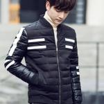 พร้อมส่ง เสื้อกันหนาวผู้ชาย สีดำ แต่งแถบสีขาว คอกลม เอวจั๊ม ปลายแขนจั๊ม เสื้อแจ็คเก็ตกันหนาว