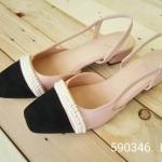 รองเท้าคัทชูส้นเตี้ยเปิดส้นมีรัดข้อเท้าปรับดับมุกด้านหน้าสวยงาม