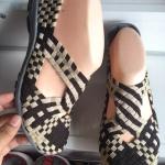 รองเท้าเพื่อสุขภาพลายสานแบบใหม่ใส่นุ่มสบายเท้า