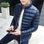พรีอออร์เดอร์ เสื้อกันหนาวผู้ชาย สีน้ำเงิน ซิปหน้า แต่งสีน้ำตาล กระเป๋าข้างใช้งานได้ หนาอุ่น