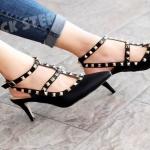รองเท้าแฟชั่นส้นเข็ม สไตล์ valentino