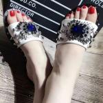 รองเท้าแตะแฟชั่นประดับเพชรด้านหน้าดูหรูหราสวยงามมาก