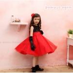 ชุดราตรี เสื้อปักดิ้นสีดำ ต่อกระโปรงสีแดงผสมกริตเตอร์วิบวับ ผูกโบด้านหลัง size 110