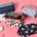 กระเป๋าใส่เครื่องสำอางค์ อุปกรณ์แต่งหน้า และของใช้จุกจิกต่างๆ พกพาเวลาเดินทาง