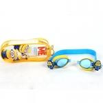 แว่นว่ายน้ำสำหรับเด็กลาย Minion เหลืองฟ้า สายซิลิโคนปรับขนาดได้ พร้อมที่อุดหู