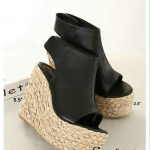 รองเท้าส้นเตารีดถักหวายเก๋งานแฟชั่นเกาหลี หลังสูง 5.5 นิ้ว เสริมหน้า 2.5 นิ้ว