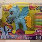 ตุ๊กตาม้าโพนี่ สำหรับเล่นตกแต่งม้าโพนี่ให้มีสีสวย สดใสขึ้น
