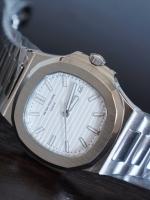 นาฬิกา patek philippe nautilus รุ่น 5711/1A หน้าปัดสีขาว งาน Mirror รุ่นดัง ดาราใส่เยอะมากๆ