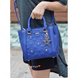 กระเป๋า รุ่นใหม่น่ารักมาก ติดอะไหล่รูปดาวเพิ่มความเก๋ พวงกุญแจรูปดาวอะไหล่ตามสีกระเป๋า