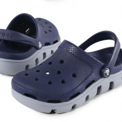 รองเท้า CROCS รุ่น DUET SPORT CLOG สีกรมพื้นเทา