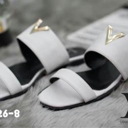 รองเท้าแตะแฟชั่นทรงสวมแต่งตัว V ด้านหน้า