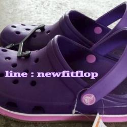 รองเท้า crocs retro clog รุ่นเรโทร สีม่วงเข้ม