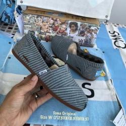รองเท้า Toms ลายเส้นสีเขียวน้ำทะเล ผ้าเนื้อหนานิ่มงานคุณภาพมาก พื้นนิ่มใส่สบาย