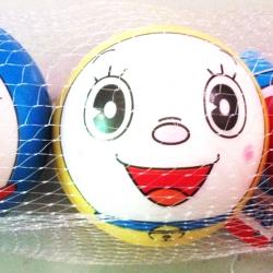 บอลบีบ 7 ซม. โดราเอม่อน 3 ชิ้นถุงตาข่าย (1x3)